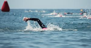 Borstcrawl triatleten open water training ligging uithoudingsvermogen trainingen triatleten snel zwemmen sneller zwemmen oefeningen positie 11